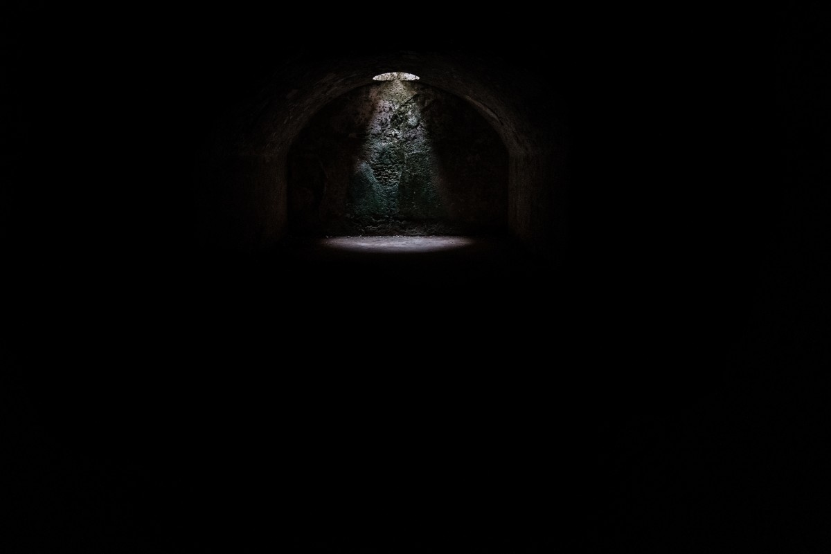 dark_tunnel_horror_writing-isolation.jpg