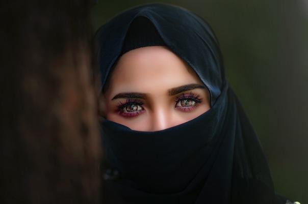 hijab-3064633_1920.jpg