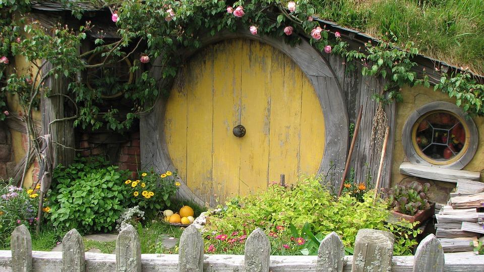 Hobbit-House-JRRTolkien.jpg